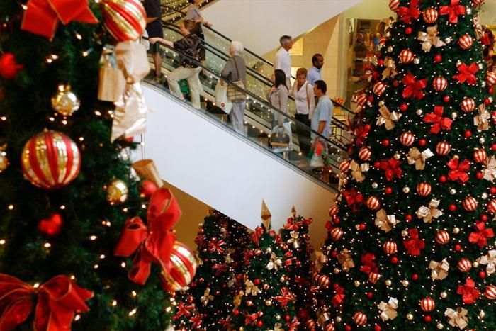 Christmas In The Mall