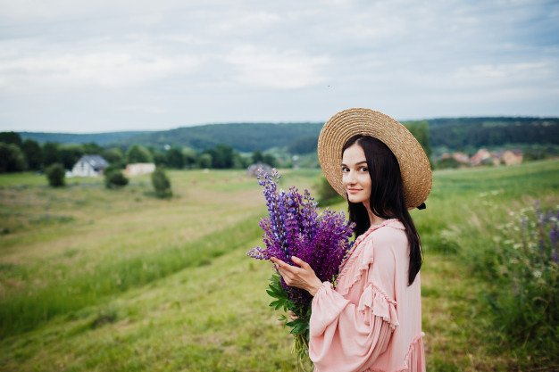 Woman Hay Hat Poses With Bouquet Lavander Field
